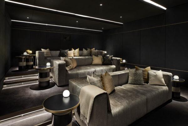 Regets Crescent Cinema